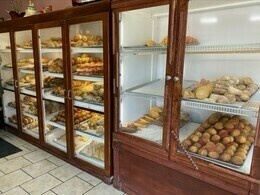 The showcases in the panaderia